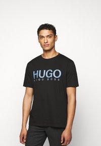 HUGO - DOLIVE - Print T-shirt - black/blue - 0