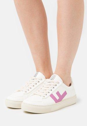 VEGAN CLASSIC 70'S KICKS - Sneaker low - white/fucsia/grey