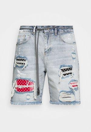 BANDANA PATCH AND PAINT SPLAT CUT OFFS - Denim shorts - vintage blue