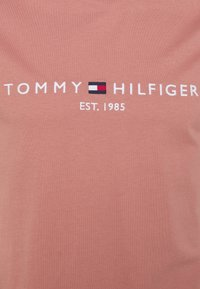 Tommy Hilfiger - LOGO TEE - Printtipaita - mineralize - 2