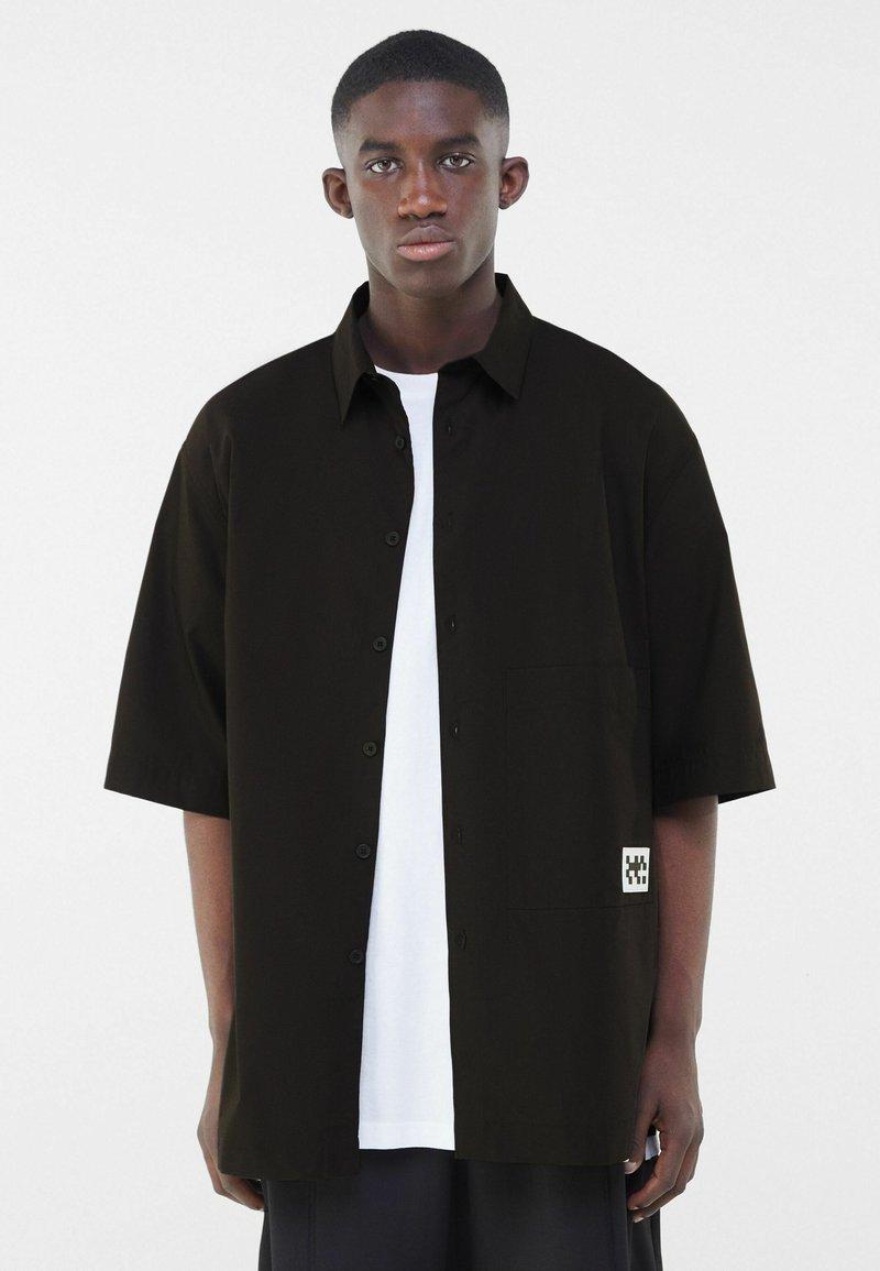Bershka - Shirt - black