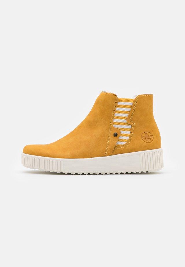Boots à talons - gelb