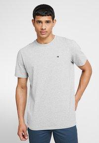 Scotch & Soda - CREW NECK TEE - Basic T-shirt - grey melange - 0