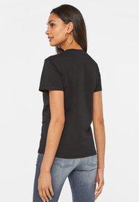 WE Fashion - Basic T-shirt - black - 2