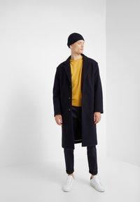 Editions MR - BOXY CREWNECK - Pullover - sun - 1