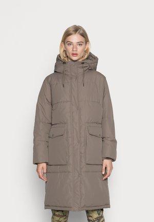 VMELANOR LONG PADDED JACKET - Winter coat - bungee cord