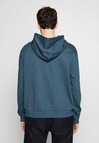 Filippa K - JOSH - Hoodie - blue grey - 2