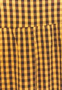 Missguided Plus - GINHAM SQUARE NECK SMOCK DRESS - Day dress - rust - 2