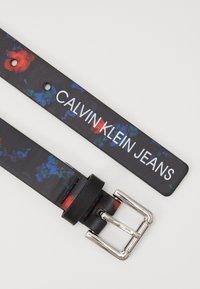 Calvin Klein Jeans - DIGITAL FLOWER BELT - Pásek - black - 2