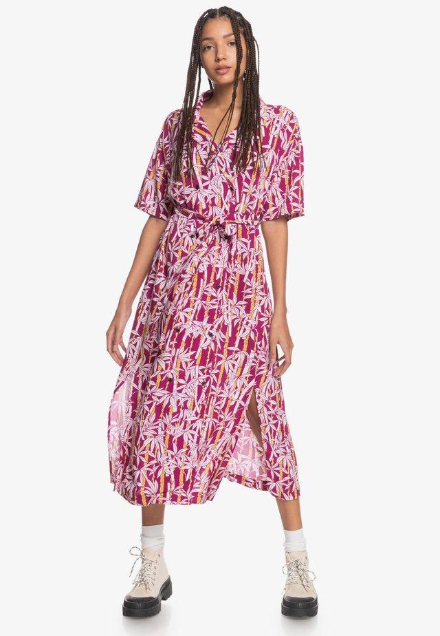 TRIBAL  - Shirt dress - rasperry radiance jungle fever