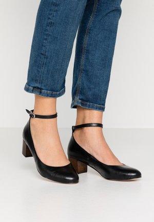 LAOZATA CROCO - Classic heels - black