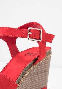 H.I.S - Sandály na vysokém podpatku - red - 2