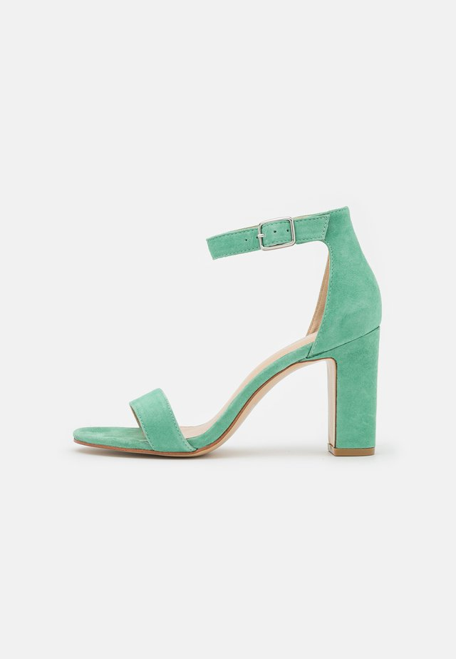 Sandales à talons hauts - vert eau