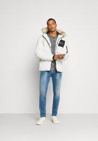 PARELLEX - SHADOW BUBBLE - Winter jacket - off-white - 1