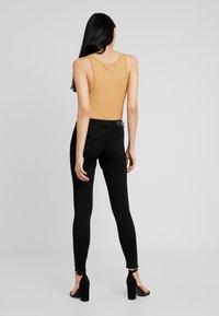 Gina Tricot - BONNIE - Jeans Skinny Fit - black - 2