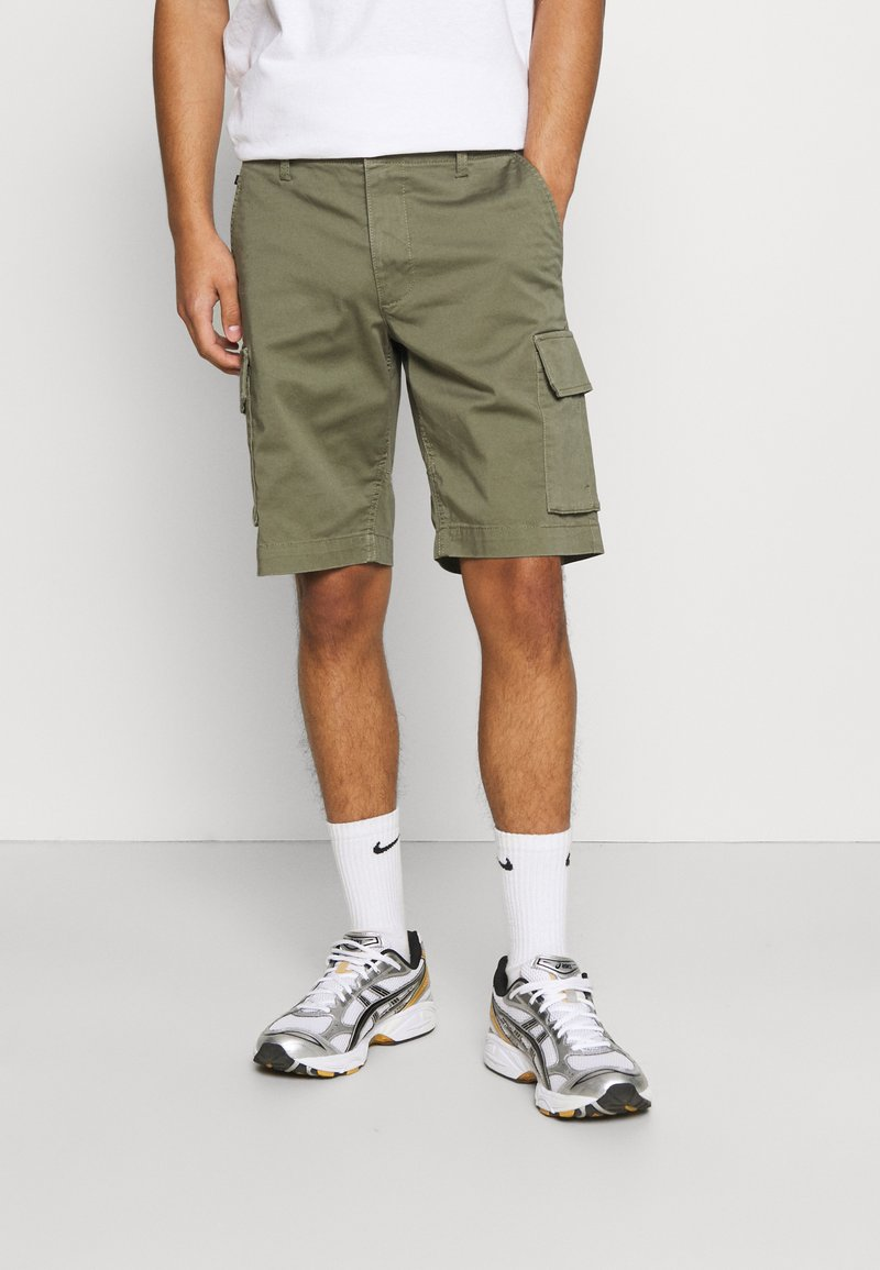 Matinique - CARGO - Shorts - light army