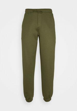 FLEASER - Teplákové kalhoty - winter moss