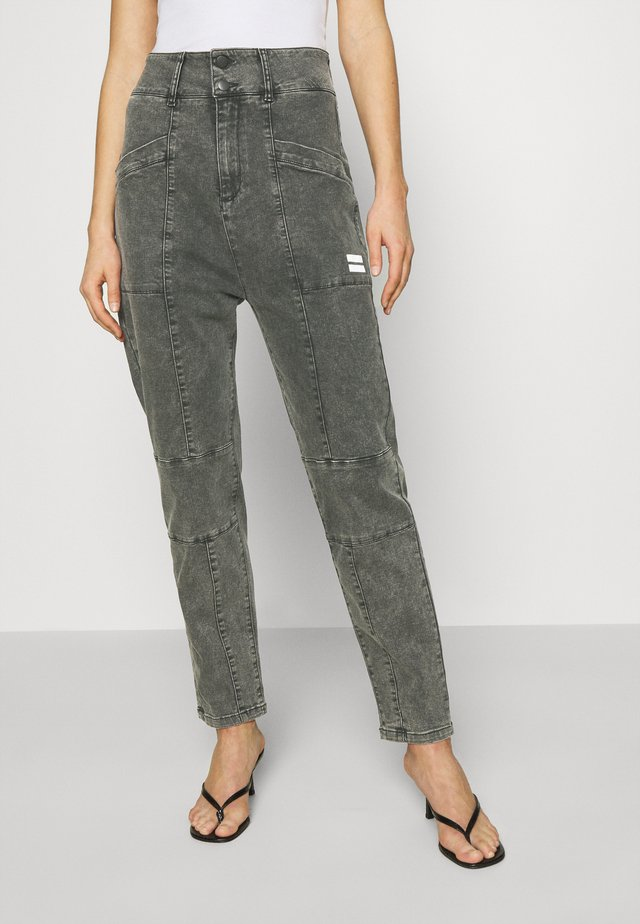 HIGH WAIST  - Jean boyfriend - grey