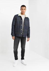 Pepe Jeans - FINSBURY - Jeans Skinny Fit - black denim - 1