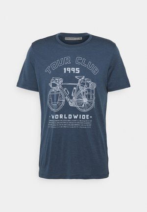 TECH LITE CREW TOUR CLUB 1995 - T-shirt med print - serene blue