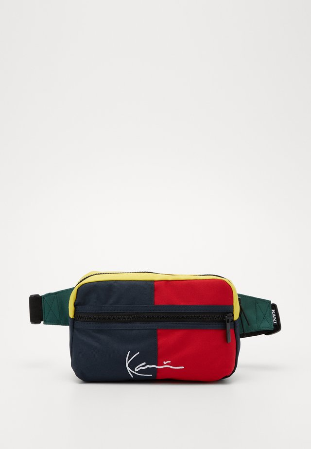 SIGNATURE BLOCK HIP BAG - Ledvinka - navy