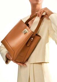Kazar - LAURIE - Handbag - brown - 0
