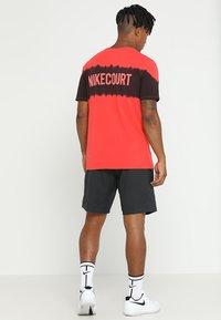 Nike Performance - DRY SHORT - Pantalón corto de deporte - black/black/black - 2