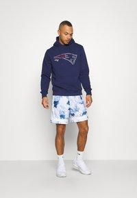 Fanatics - NFL NEW ENGLAND PATRIOTS GLOW CORE GRAPHIC HOODIE - Club wear - navy - 1