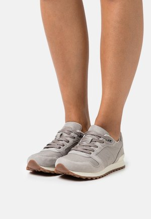 CLASSIC RUNR LACE - Trainers - grey