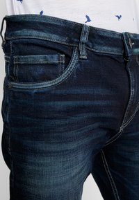 TOM TAILOR - TRAD - Relaxed fit jeans - dark stone wash denim blue - 5