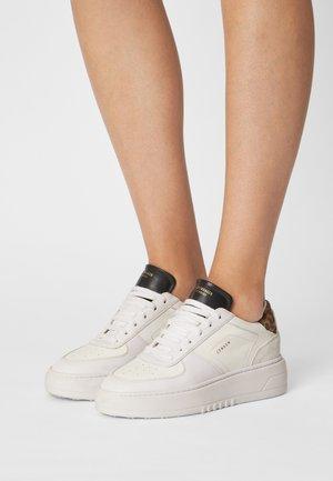 Sneakers laag - leo