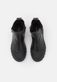 Tommy Hilfiger - UNISEX - Kotníkové boty - black - 3