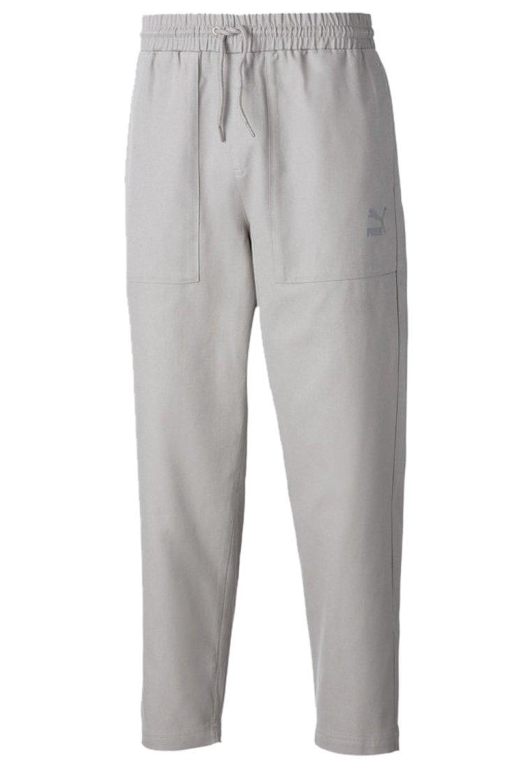 Puma - TAPERED WOVEN MEN'S CHINO PANTS MALE - Pantalon de survêtement - flint gray