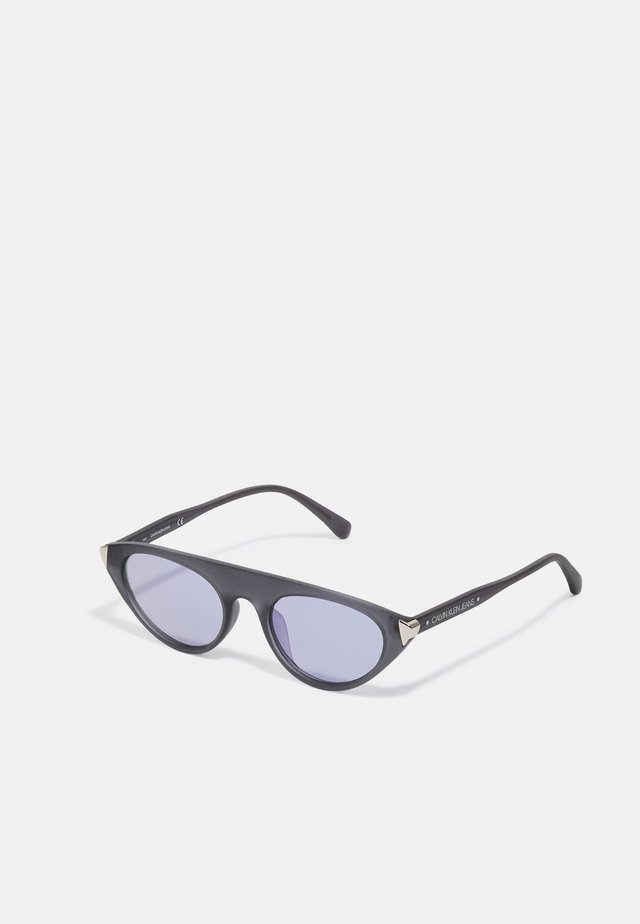 Sunglasses - matte crystal charcoal
