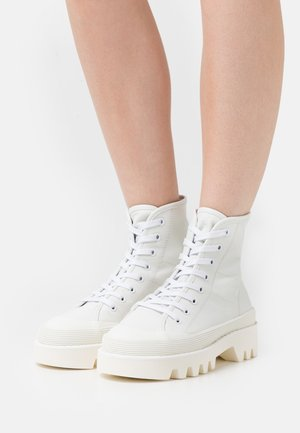 CITY LACE UP BOOT - Lace-up ankle boots - optic white