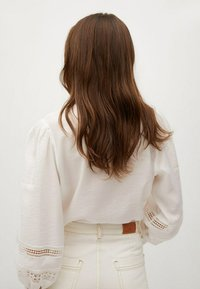 Mango - CAMISA  - Button-down blouse - blanco roto - 2