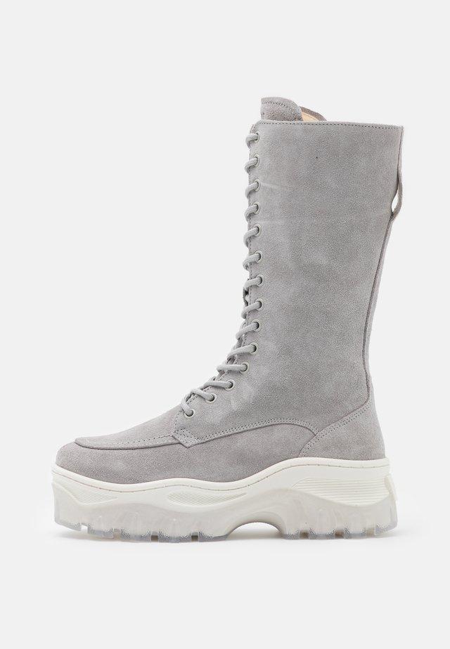 JAXSTAR - Plateaustiefel - ice grey