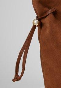 mint&berry - LEATHER - Shopping bag - cognac - 6