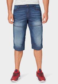 TOM TAILOR - MAX BERMUDA  - Denim shorts - mid stone wash denim - 0