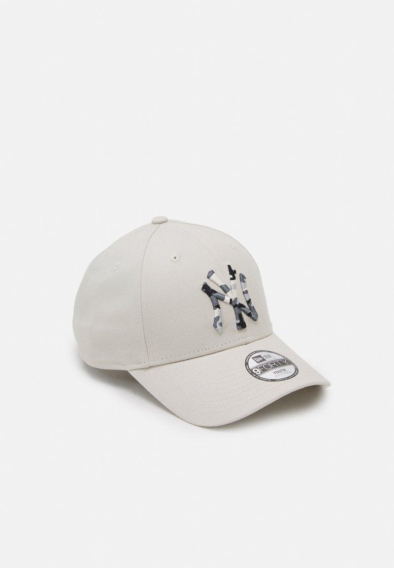 New Era - INFILL CAMO NEW YORK YANKEES UNISEX - Caps - white