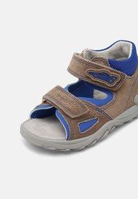 Superfit - Sandals - beige/blau - 6
