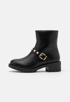 WIDE FIT BIAPEARL BASIC BOOT  - Botines camperos - black
