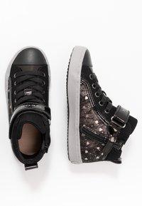 Geox - KALISPERA GIRL - Sneakersy wysokie - black/dark silver - 0