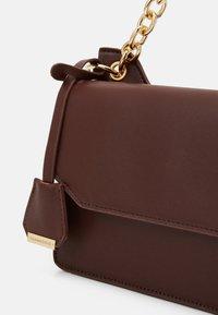 Glamorous - Handbag - chocolate - 3