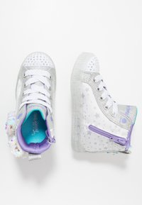 Skechers - SHUFFLE BRIGHTS - High-top trainers - white/silver/lavender - 1