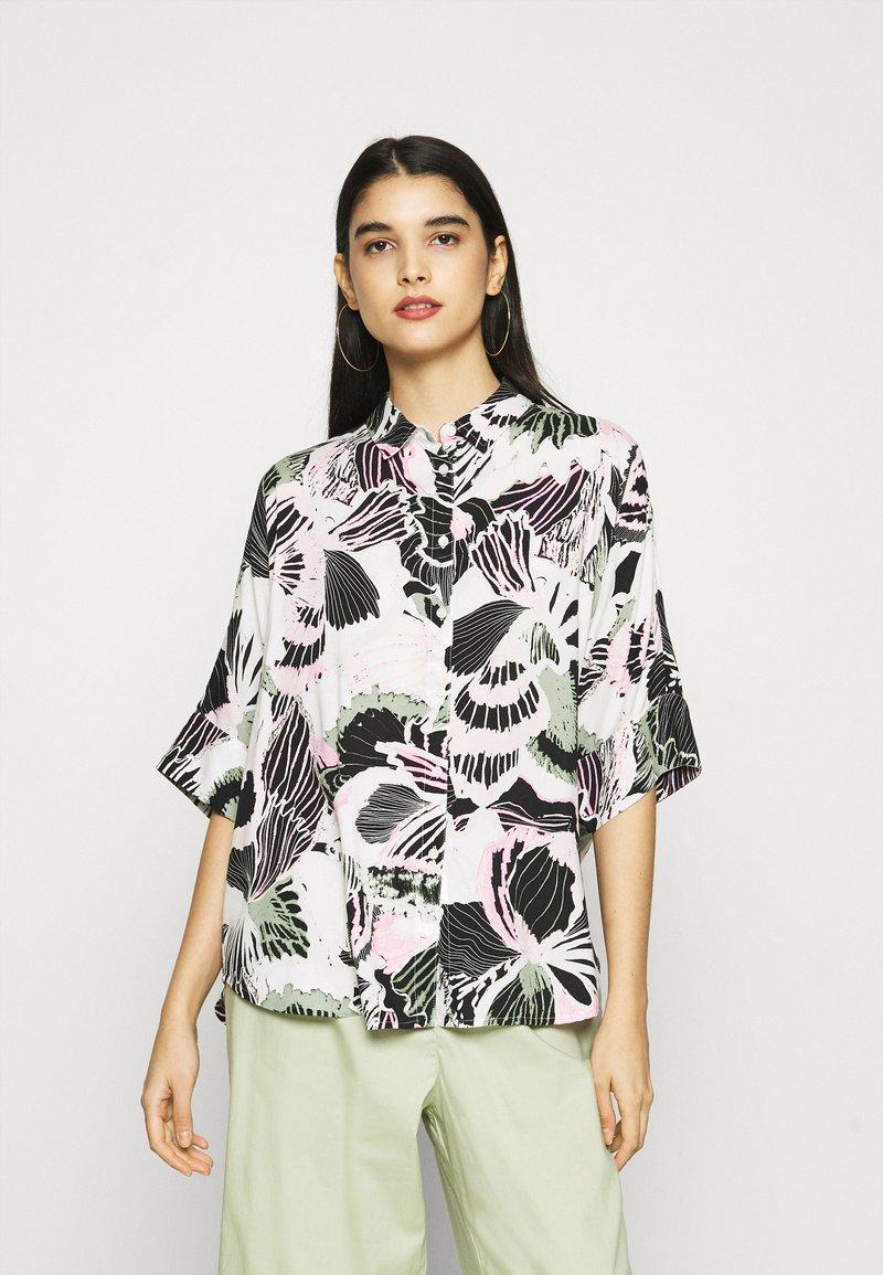 Monki - LUCA BLOUSE - Button-down blouse - white