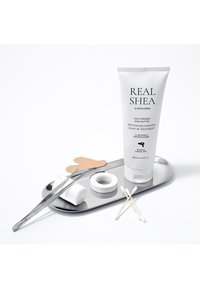 RATED GREEN - REAL SHEA PROTEIN RECHARGING LEAVE IN TREATMENT  - Haarverzorging - - - 2