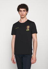 YOURTURN - T-shirt z nadrukiem - black - 2