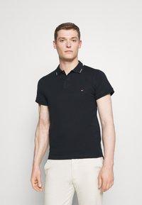 Tommy Hilfiger - COLLAR - Polo shirt - desert sky - 0