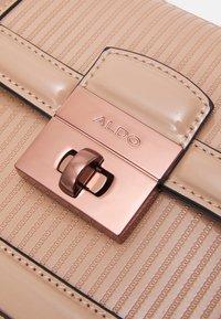 ALDO - AGRELIDIA - Handbag - nude/plum - 4